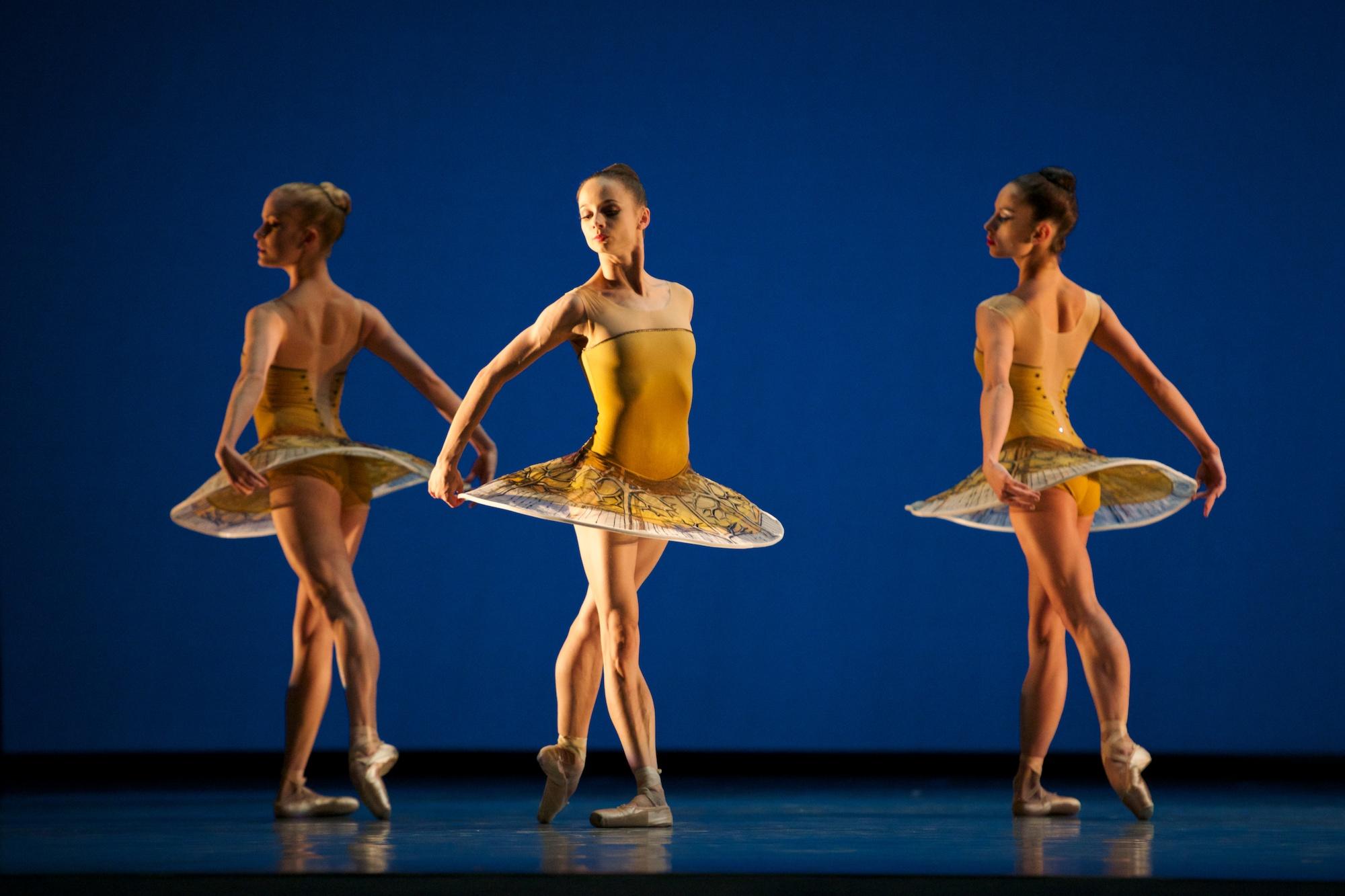 San Francisco Ballet in Possokhov's Classical Symphony. (© Erik Tomasson)