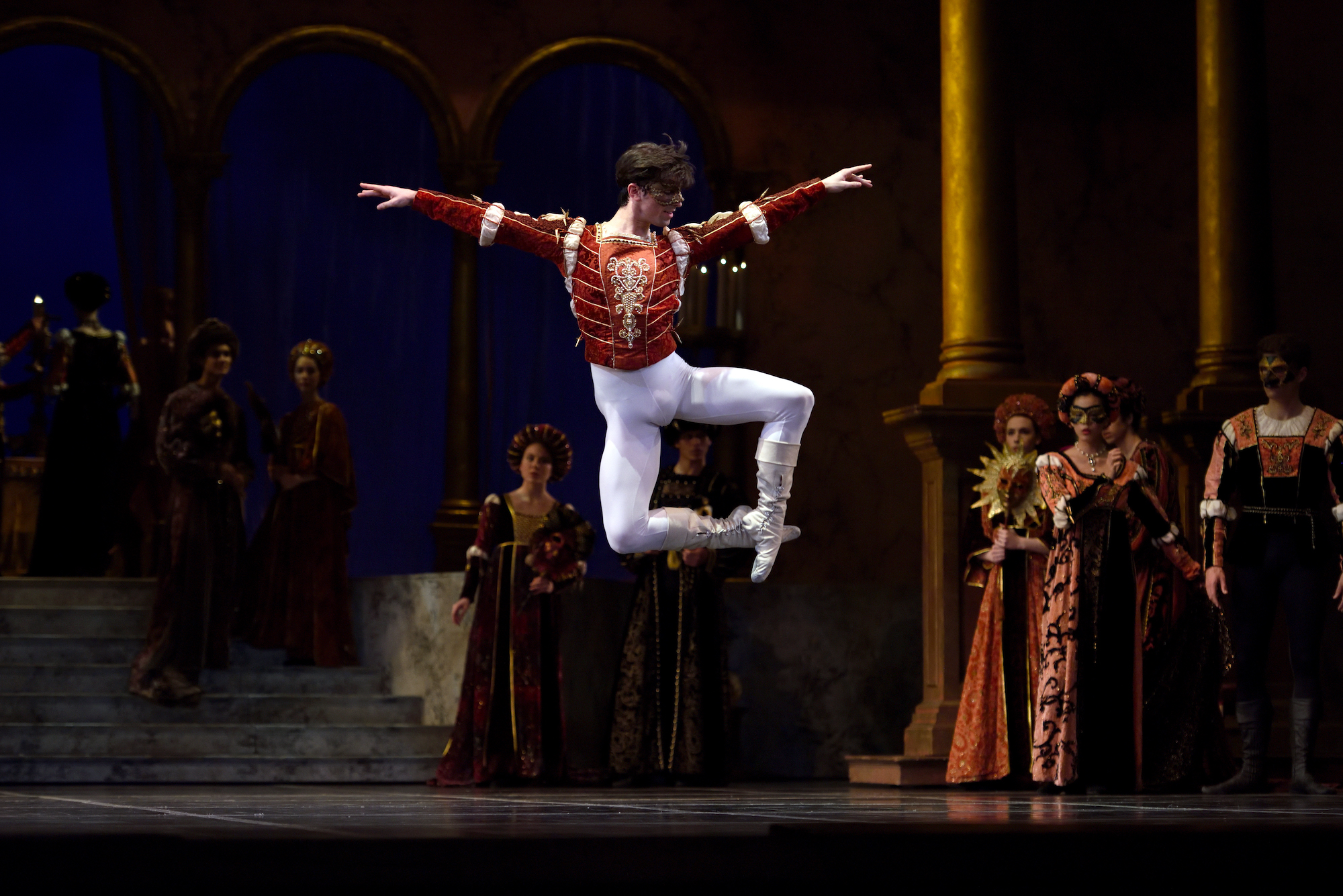 San Francisco Ballet in Tomasson's Romeo & Juliet. (© Erik Tomasson)