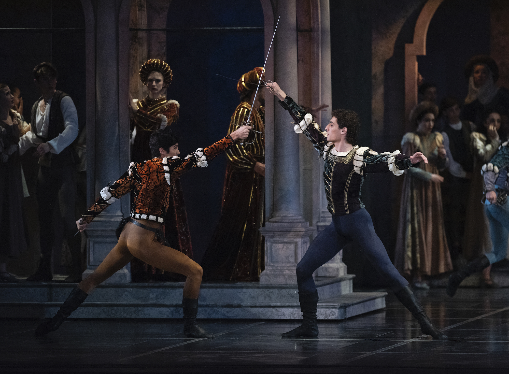 Sean Bennett and Carlo Di Lanno in Tomasson's Romeo & Juliet. (© Erik Tomasson)