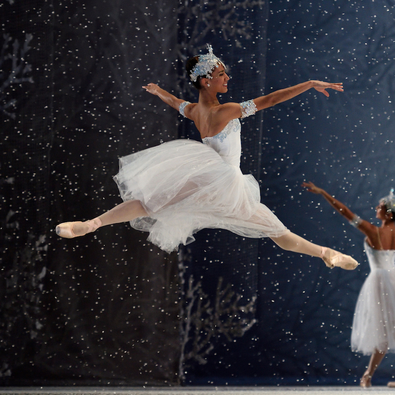 Kimberly Marie Olivier in Tomasson's Nutcracker. (© Erik Tomasson)