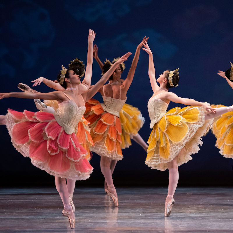 San Francisco Ballet in Tomasson's Nutcracker. (© Erik Tomasson)
