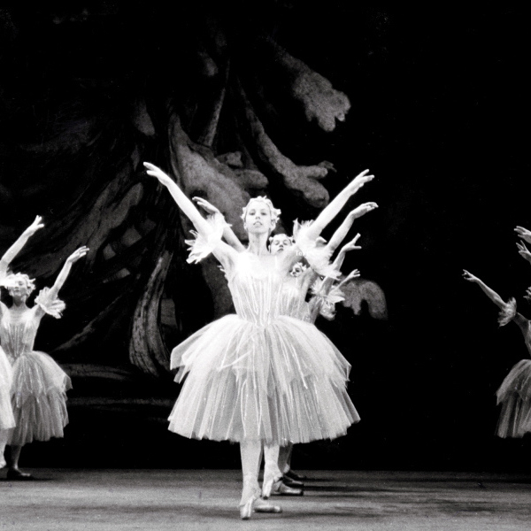 Dancers as Snowflakes in Lew Christensen's Nutcracker, 1967. (© San Francisco Ballet. Photo courtesy SFMPD.)