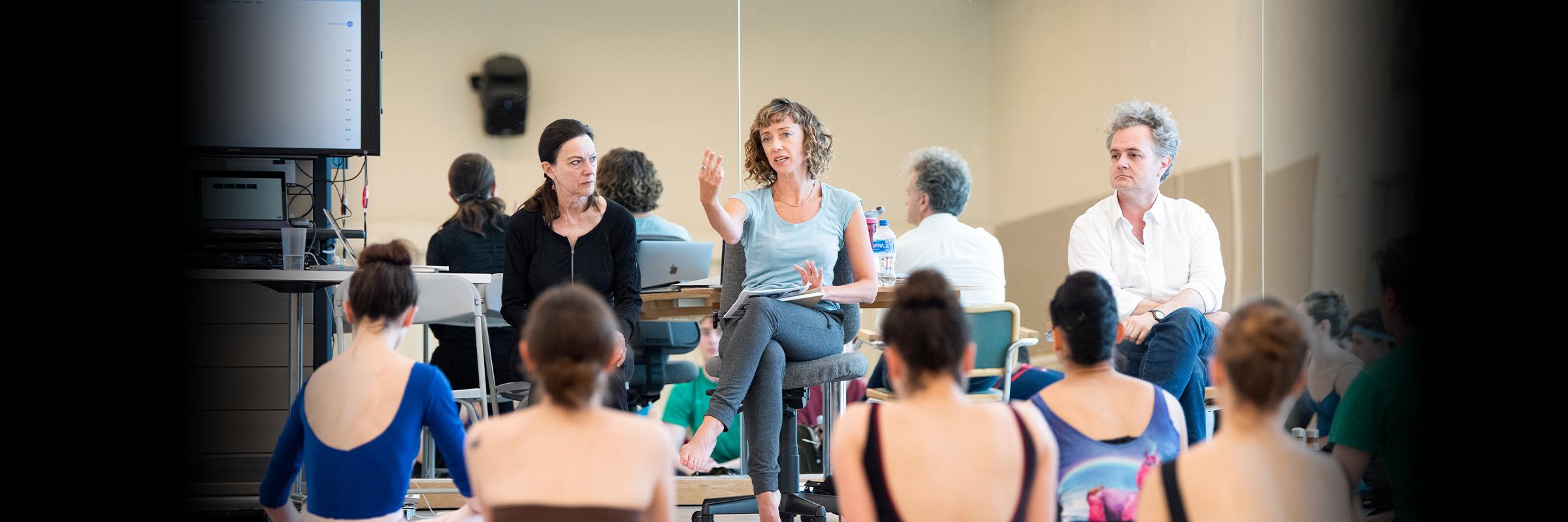 Rehearsal for Cathy Marston's new work // © Erik Tomasson
