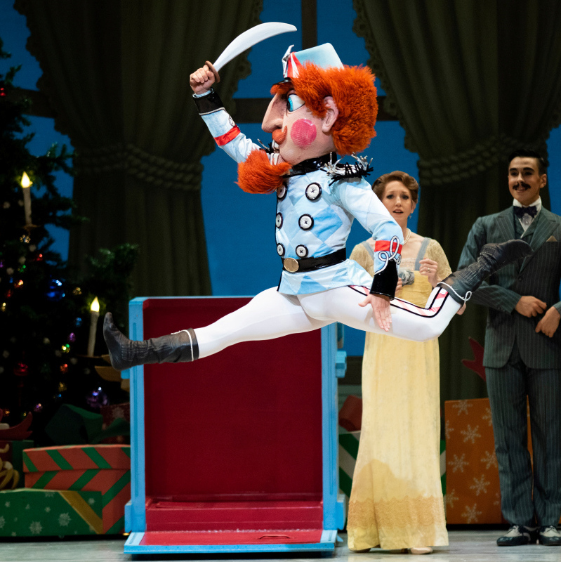 Lucas Erni in Tomasson's Nutcracker. (© Erik Tomasson)