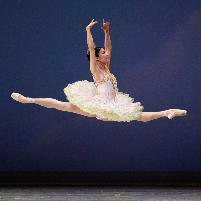 Frances Chung in Tomasson's Nutcracker. (© Erik Tomasson)
