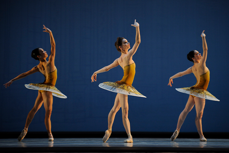 San Francisco Ballet in Possokhov's Classical Symphony. (© Erik Tomasson)