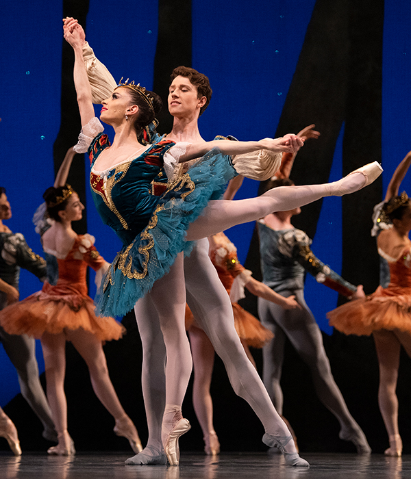 Dores Andre and Benjamin Freemantle in Balanchine's A Midsummer Night's Dream