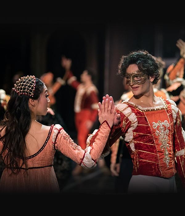 Misa Kuranaga and Angelo Greco in Tomasson's Romeo & Juliet