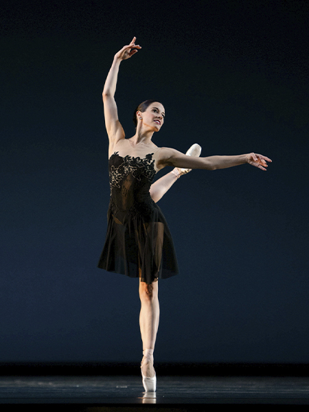 Vanessa Zahorian in Tomasson's 7 For Eight // © Erik Tomasson
