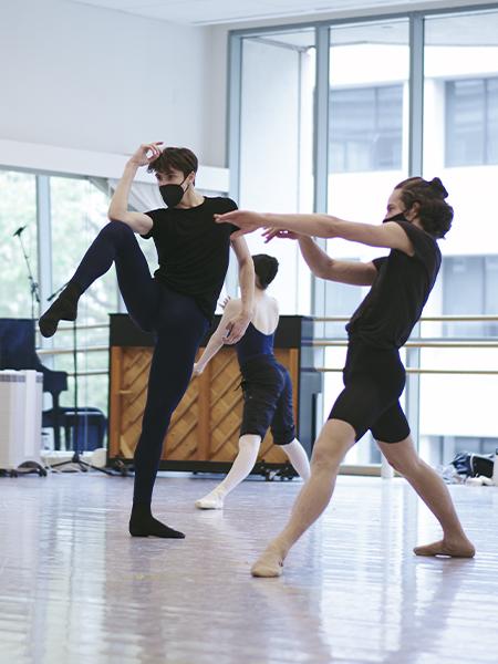 San Francisco Ballet School Students rehearsing Genshaft's Future Paper for Spring Festival // © Erik Tomasson
