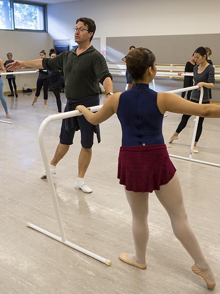 Adult Ballet Class // © Chris Hardy