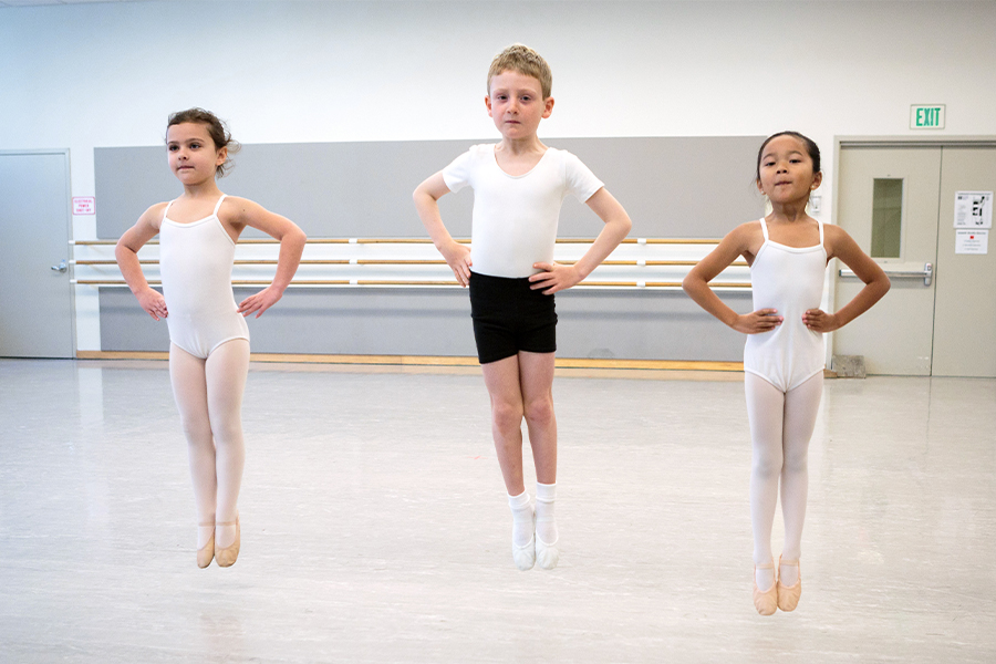 Scenes from a San Francisco Ballet School pre-ballet class. (© Chris Hardy)