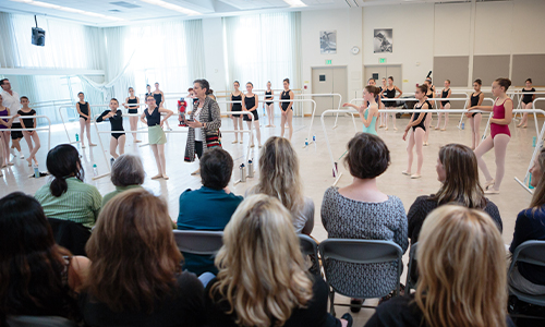 San Francisco Ballet School Youth Master Class. (© Chris Hardy)