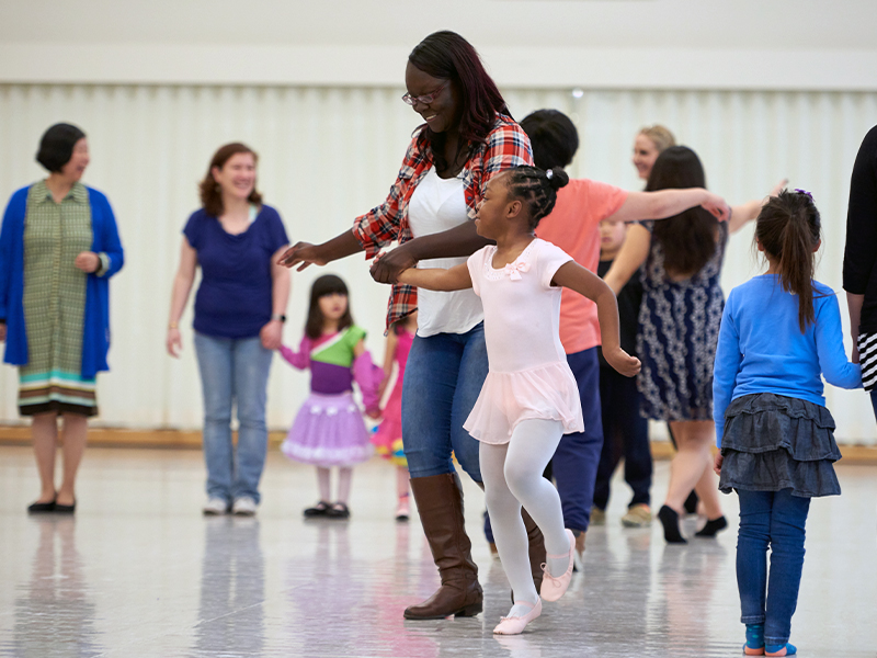 San Francisco Ballet's Sensory Friendly Family workshop. (© Erik Tomasson)