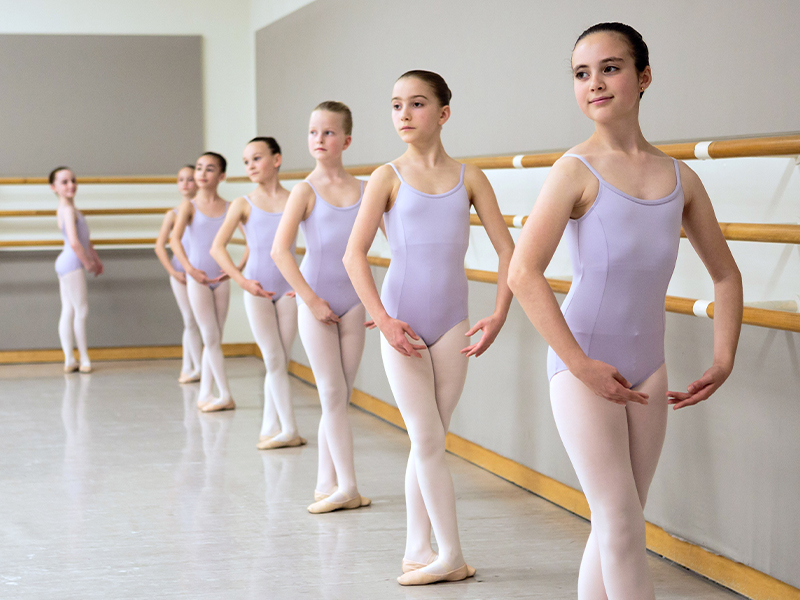 Scenes from the San Francisco Ballet School level 2 class. (© Chris Hardy)