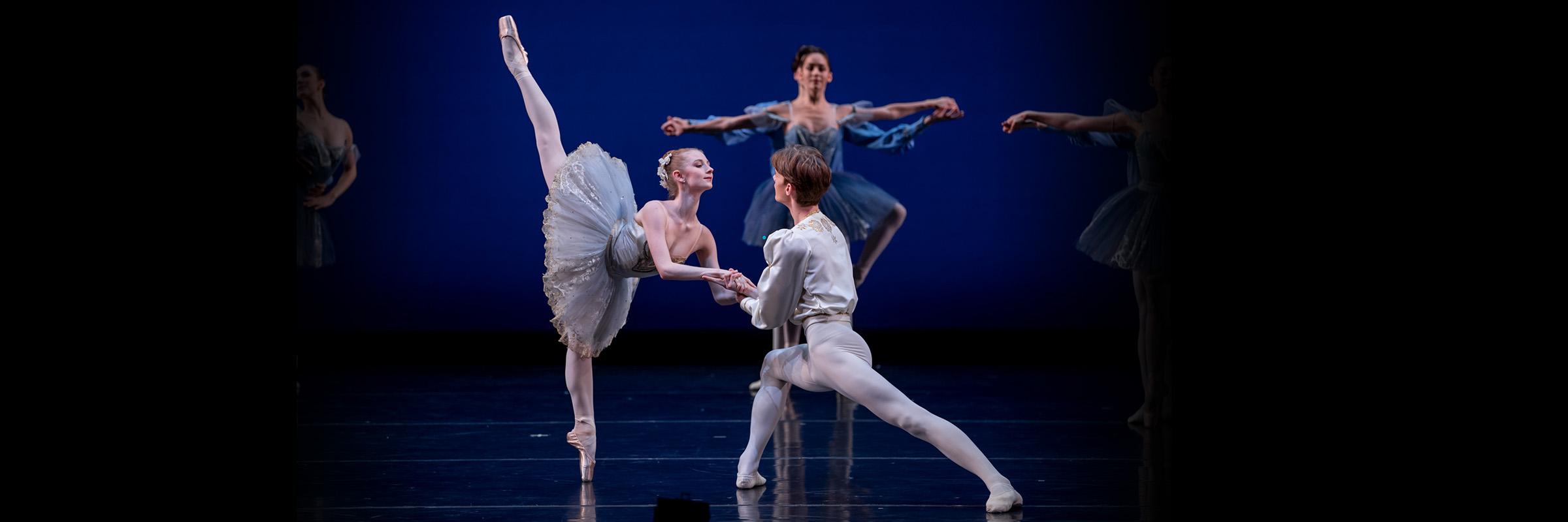 San Francisco Ballet School Students in Tomasson's Ballet D'Isoline. (© Lindsay Thomas)
