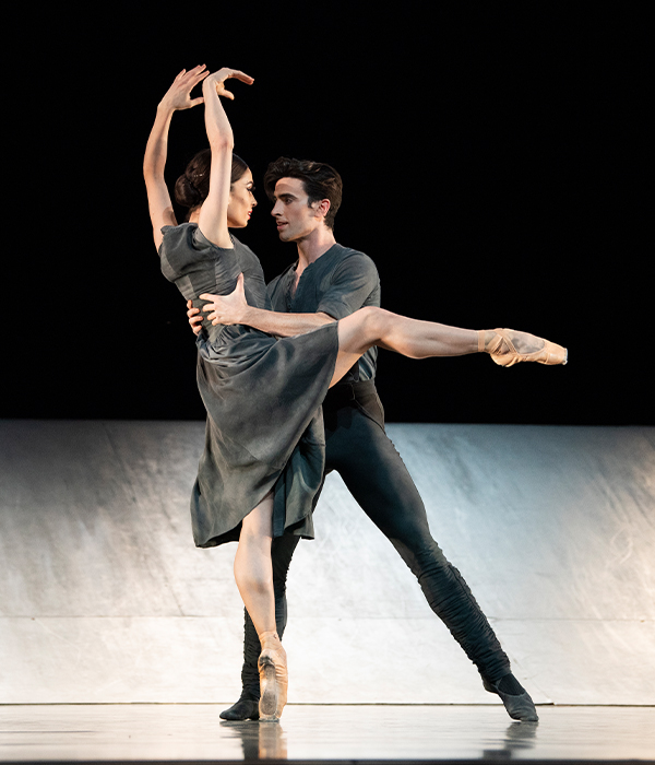 Dores André and Joseph Walsh in Scarlett's Hummingbird. (© Erik Tomasson)